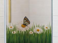 Decal kính mờ hoa và bướm